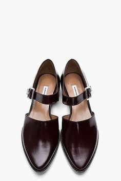 Carven | Zapatos de Cuero en color Borgoña, Buckled D'Orsay