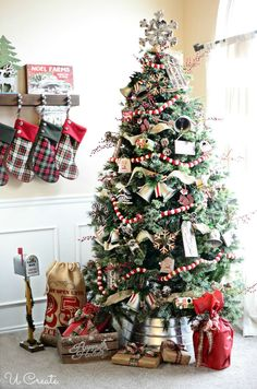 Ideas For Country Christmas Tree Decorations Navidad Country Christmas Trees, Gold Christmas Decorations, Farmhouse Christmas Decor, Christmas Tree Themes, Noel Christmas, Rustic Christmas, Christmas Crafts, White Christmas, Christmas Ideas