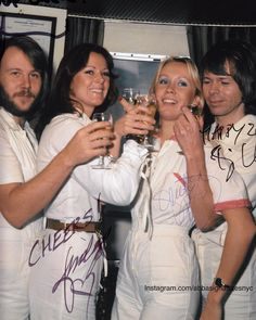 CHEERS ! Abba launching ARRIVAL fresh off a record run on the UK charts with Greatest Hits. #abbasignaturesnyc