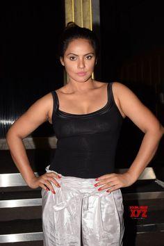 Neetu Chandra shoots for Rekha Bhardwaj& music video in LA - Social News XYZ Varun Sharma, Neetu Chandra, Beauty Queens, Music Videos, Actors, Tank Tops, Hot, Sexy, Party