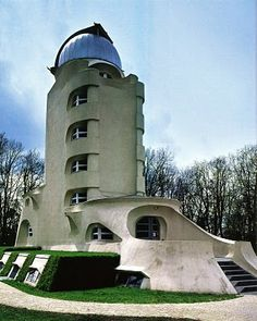 Erich Mendelsohn, Einstein Tower, Potsdam, Expressionist Architecture (Fortress of Bosh Jeeples) Organic Architecture, Beautiful Architecture, Art And Architecture, Architecture Details, Bauhaus Architecture, Concrete Architecture, Futuristic Architecture, Unique Buildings, Amazing Buildings