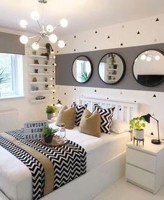 Fall bedroom decor - Here, the 40 best bedroom decor ideas with a variety of different style. Youll find unexpected to bedroom decor ideas. Fall Bedroom Decor, Teen Bedroom Colors, Decor Room, Beauty Room Decor, Dream Rooms, Interior Design, Home Interior, Modern Interior, Apartment Interior