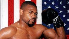 Экс-чемпион мира в 4-х весовых категориях Рой Джонс-младший стал лучшим боксером мирапо версии WBF в категории до 90,71 кг. В американском Вилмингтоне