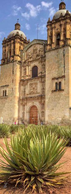 Church and former monastery of Santo Domingo de Guzmán (Iglesia de Santo Domingo de Guzman) in Oaxaca | Mexico
