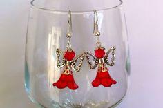 Boucles d'oreilles en acier chirurgical avec pendentifs anges rouge : Boucles d'oreille par nessymatriochka