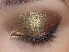 The Makeup Box: Antique Gold Lids: Olive-Gold Eye Shadow Tutorial