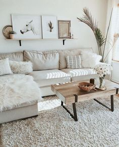 Minimalist living room is enormously important for your home. Because in the living room every the deeds will starts in your pretty home. findthe elegance and crisp straight Minimalist Living Room Interior Design Ideas. scrutinize more on our site. Boho Living Room, Living Room Interior, Cozy Living, White Couch Living Room, Bright Living Room Decor, Small Space Living Room, Living Room Decor College, White Couch Decor, Cool Living Room Ideas