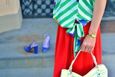 UPRAVTE SA!_Katharine-fashion is beautiful_Červená sukňa_Pruhovaný top_Modré sandále_Biele sandále_Katarína Jakubčová_Fashion blogger #outfit #ootd #outfitoftheday #lookoftheday #outfitpost #FashionBlog #Blogger #slovakfashionblog #whattowear #katharine #fashionisbeautiful #chic #skirt #inspiration #Zoner  #red #blue #spring #summer #white #stars