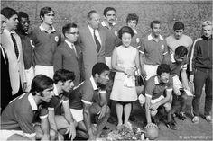 A equipa do Sport Lisboa e Benfica teve a honra de posar na fotografia com o príncipe herdeiro do Japão.