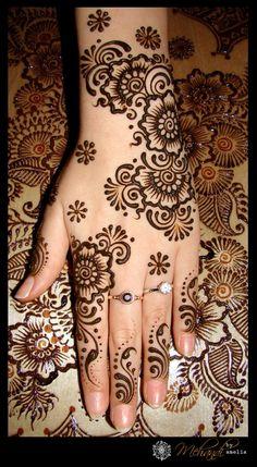 30+ Beautiful Ethnic Henna Artwork_18 @ GenCept