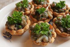 Tarteletter Ways To Eat Healthy, Healthy Eating, Vegetarian Recipes, Healthy Recipes, Danish Food, Vegan Options, Baked Potato, Yummy Food, Chicken