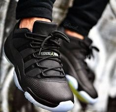 nike shoes outlet Custom Air Jordan 11 Low ´Black Out Snakeskin chcheap nike shoes Nike Huarache, Zapatillas Jordan Retro, Nike Shox, Air Jordan 11 Low, Air Jordan Shoes, Jordan Sneakers, Nike Free Shoes, Nike Shoes Outlet, Nike Outfits