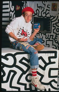 Keith Haring at opening of his Pop Shop at 292 Lafayette Street in SoHo, Yves Klein, Matisse, Keith Allen, New Fashion, Kids Fashion, Keith Haring Art, Lafayette Street, Street Culture, Wow Art