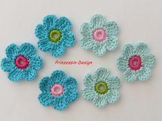Pretty blue/turquoise crochet flowers