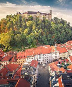 bring you to Ljubljana Slovenia .  Photo by @stefanotermanini . Tag us or use #travelshotba in your images . Follow:  @travelshot.ba @travelshot.eu . . . . . . . . . . #ljubljana #maribor #slovenia #visitslovenia #slovenija #igslovenia #ig_slovenia #balkan_hdr #slovenian #balkans #balkan #artisticphoto #amazingplace #igslovenija