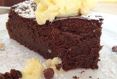 Moelleux léger sans beurre ni farine au Thermomix, un délicieux gâteau léger, au bon goût du chocolat, facile et simple à réaliser pour le goûter.
