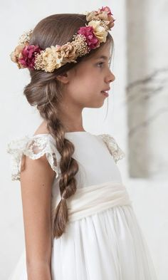 Floral crown design ideas - All For Hairstyles Little Girl Wedding Hairstyles, Flower Girl Hairstyles, Lace Flower Girls, Lace Flowers, Flower Girl Dresses, Flower Tiara, French Braid Hairstyles, High Ponytails, Beautiful Bride