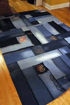 More Recycling Ideas for Kids' Blue Jeans {Area Rugs} Jean Crafts, Denim Crafts, Blue Jeans, Blue Jean Quilts, Denim Rug, Denim Quilts, Denim Fabric, Denim Ideas, Recycled Denim