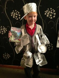 World Book Day Costume Ideas for Kids - Saucepan Man from the Magic faraway tree Easy Book Character Costumes, Book Characters Dress Up, Character Dress Up, Book Character Day, Book Costumes, World Book Day Costumes, Diy Costumes, Costume Ideas, Easy Book Week Costumes