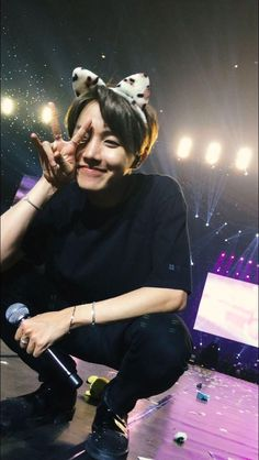 Oh ma gawd,, i wish i can see jhope and he smile at me like this ❤
