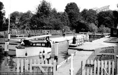 Pangbourne, Whitchurch Lock c.1949. The lock is only accessible by water, for it is cut off from Whitchurch by a backwater and house gardens: even the Thames Path misses the river here, only going through the churchyard.