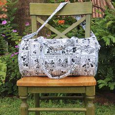 Bolso circular de tejido Canvas Verona, disponible en el diseño de Mickey Mouse.