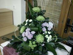 Arte Floral, Deco Floral, Floral Design, Easter Flower Arrangements, Floral Arrangements, Grave Decorations, Casket Sprays, Altar Flowers, Flower Garden Design