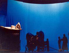 "José Carlos Barros. ""Mutter Courage und ihre Kinder"" (Mãe Coragem e os seus Filhos), de Bertold Brecht in Teatro Aberto, Lisboa, 1986."
