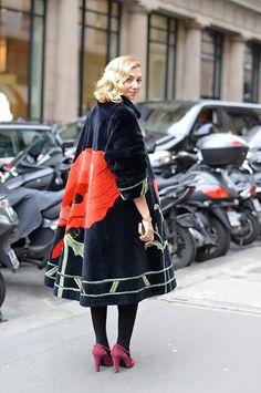 ♥ Street style at Paris Haute Couture Week Spring/Summer 2014 Fashion Mode, Look Fashion, High Fashion, Winter Fashion, Womens Fashion, Fashion Design, Fashion Trends, Street Fashion, Couture Fashion
