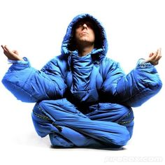 Wearable Mobile Sleeping Bag need this for the apocalypse/hunger games lol scriv saritaweiler87 charliedietz2