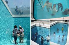 O argentino Leandro Erlich criou uma piscina falsa para o Museu de Arte Contemporânea do Século 21, em Kanazawa, Japão.    A instalação é apenas uma ilusão de ótica, onde a piscina parece cheia, mas de fato, só possui uma camada de água com apenas 10cm, suspensa por um vidro