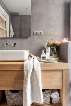 CUARTO DE BAÑO - REFORMA Y DECORACIÓN, NATALIA ZUBIZARRETA INTERIORISMO. Las generaciones se fusionan en el hogar de Amaia. Recuperando la vivienda de su abuela, se ha buscado obtener máxima luminosidad en un espacio en el que muebles y objetos, que viven en esta casa desde siempre, convivan con estilo sencillo y moderno que caracteriza a los nuevos inquilinos. Wall Mount Faucet, Bathroom Inspo, Home Renovation, Decoration, Home Interior Design, Cool Designs, Sweet Home, New Homes, Home Decor
