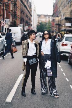 London Fashion Week Street Style – The Talking Lipstick. / london fashion week, SS18, SS18 trends, street style, fashion inspo, catwalk, designer, color trend, outfit inspo, outfit of the day, the talking lipstick, ttl, fashion friends