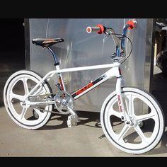 - Bmx Bikes - Ideas of Bmx Bikes - Redline Prostylser Retroside. Bmx Bicycle, Cycling Bikes, Cycling Equipment, Bmx Bandits, Vintage Bmx Bikes, Gt Bmx, Bmx Cruiser, Bmx Street, Pocket Bike