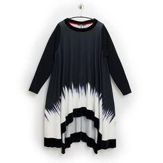 Festliches Kleid / Longtunika von MAT Fashion  Größe 40-50  Weitere Infos unter  https://seelenlook.de/neu --- #fashion #fashionlover #highfashion #style #stylish #mode #outfit #lagenlook #womanstyle #plussize #plussizefashion #boho #bohostyle #bohochic #aw17