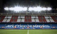 Vicente Calderón de noche iluminado Cristiano Ronaldo, Messi, Football, Game, Hay, Athlete, Night, Sports, Soccer