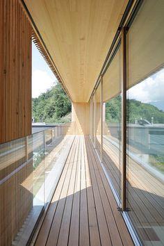 Haus DB Klaus — ARCHITEKTUR Jürgen Hagspiel Concrete Wood, House On A Hill, Indoor Outdoor Living, Architecture Design, Living Spaces, House Ideas, Villa, Exterior, Modern Houses