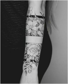Tattoo Arm Frauen – I like the middle band, with the top and the bottom part of it… – Flower Tattoo Designs – Easter – tatoo Forearm Tattoos, Body Art Tattoos, New Tattoos, Sleeve Tattoos, Cool Tattoos, Tatoos, Fake Tattoos, Dragon Tattoos, Fashion Tattoos