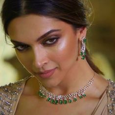 Deepika Padukone on We Heart It India Jewelry, Jewelry Sets, Jewellery, Bridal Jewelry, Gold Jewelry, Sapphire Jewelry, Diamond Jewelry, Dipika Padukone, Deepika Padukone Style