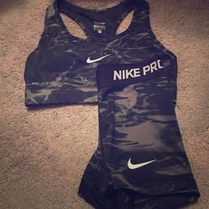 Nike Shoes OFF!> Nike pro shorts and matching sports bra Worn once perfect condition. Nike Other Nike Outfits, Sporty Outfits, Athletic Outfits, Tennis Outfits, Nike Free Shoes, Nike Shoes Outlet, Running Shoes Nike, Nike Pro Shorts, Nike Store