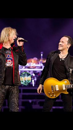 2016, Tour, Def Leppard's FB Page.                                                               RockerHelen>>Leppard Lovers