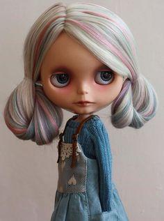 OOAK Custom Blythe Doll - Wow, she's really quite stunning!! ♡