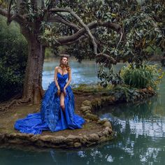 Blue bird Artistic Portrait Photography, Pretty Images, Blue Aesthetic, Blue Bird, Turquoise Necklace, Fairy Tales, Cover Up, Photo And Video, Wedding Dresses