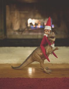 Elf on the shelf- dinosaur