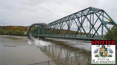 Monstre de Richmond Qc dans la Rivière Saint-Francois près du pont Mackenzie