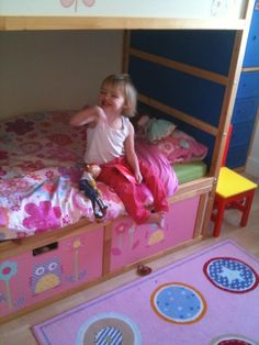 Would love to make this modification to McKenna's bed one day. Fairy princess treehouse: KURA Bunk Beds with STUVA storage - IKEA Hackers Toddler Bunk Beds, Kid Beds, Kura Ikea, Kura Hack, Cool Bunk Beds, Ikea Hackers, Girl Room, Kids Bedroom, Storage Bins
