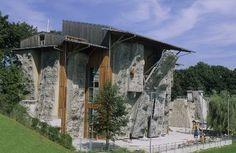Sport in München: Kletterzentrum München Felsen aussen