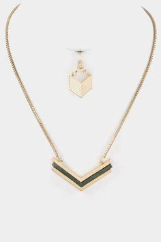Gold/Black Arrowstack necklace - short