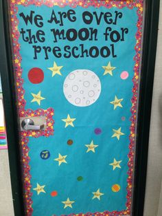 Outer space art projects for kids bulletin boards 61 ideas Outer Space Activities, Space Theme Preschool, Space Theme Classroom, Classroom Decor Themes, Preschool Projects, Classroom Ideas, Classroom Door, Space Theme For Toddlers, Preschool Door Decorations