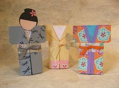 Michelle's Rubber Room: How to Make a Kimono Card - video Freetime Activities, Tarjetas Diy, Asian Cards, Card Making Tutorials, Video Tutorials, Shaped Cards, Thinking Day, Japanese Paper, Tampons
